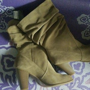 1976 LEATHER/ SUEDUE TAN SLOUCH BOOTS SIZE 11